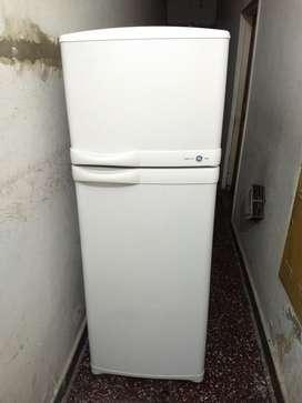 Heladera con Freezer No Frost Como Nueva