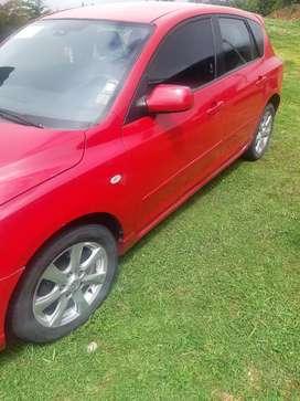 Mazda-3 rojo