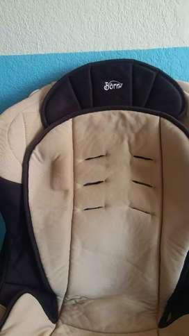 Asiento de auto para bebe - BORN