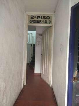 Oficina en venta frente a estacion Burzaco.