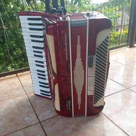 Acordeon maestro piano