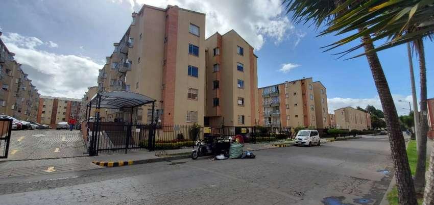 Apartamento en venta, en el conjunto San pedro plaza barrio Mirandela. 0