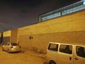 Ocasión Se Alquila Local Industrial en la Av. Argentina de 3.258 M2.