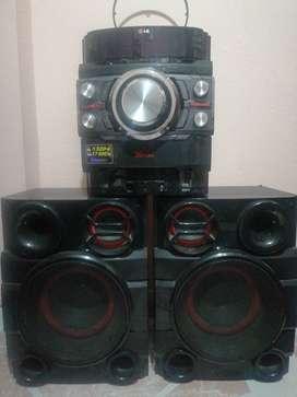 Se vende equipo de sonido LG