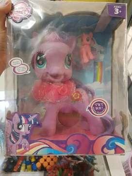 Pequeño Pony de colección nuevo