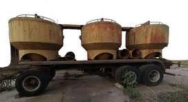 Acoplado 3 ejes con equipo de Tolvas de Cemento