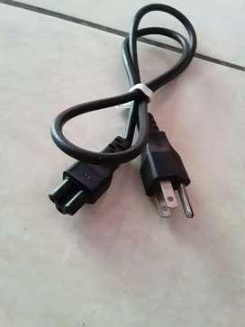 Vendo cable de corriente tipo trébol a solo cinco dólares Soy de Guayaquil y hago envíos