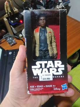 Figura de StarWars Original Hasbro en su caja - Es de 12 cm aprox