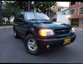Vendo Ford Explorer modelo 2000