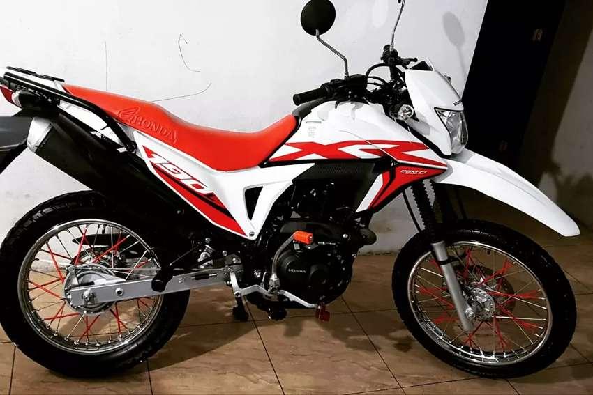 Honda xr190l se vende o se cambia con carro suzuki 1 o 2 bien conservada. 0