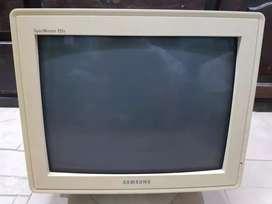 Monitor Samsung a color de 17'