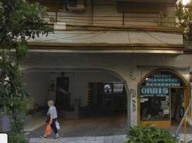 Alquilo cochera en calle Alberdi a metros de avenida Maipu