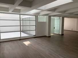 Venta Oficina Remodelada Amplia, luminosa, 4 terrazas