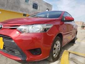 Vendo Toyota Yaris 2013 versión 2014