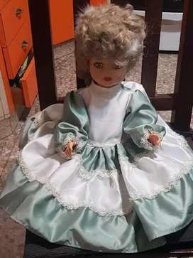 Muñeca con vestodo