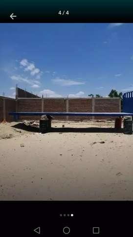 Vendo carrocería  plataforma para camion .