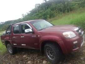 Se vende una camioneta 4x4 a diesel año 2013