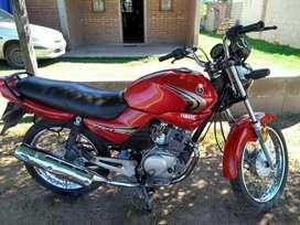 Vendo Yamaha ibr 125 color roja