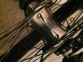 Vendo bike gama alta media vendo completa no por partes