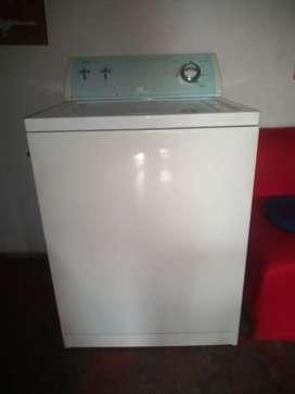 Se vende lavadora whirpool americana en buen estado