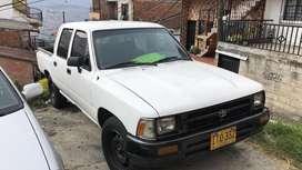 Toyota hilux modelo 1995 blanca