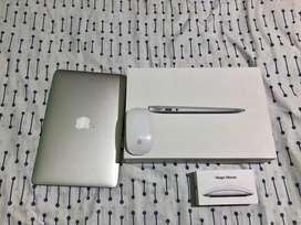 "Macbook Air 11"" 2015 - Magic Mouse"