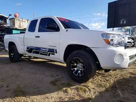 TOYOTA TACOMA 4CIL 4X2 MANUAL