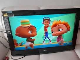 TV DE 32 LG FULL HD COMO NUEVO