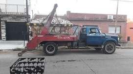 Dodge 800 con equipo de volquetes