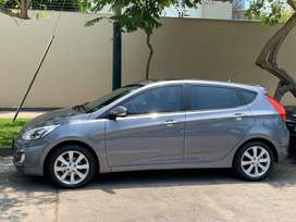 Hyundai accent hatchback automatico full
