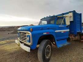 Se vende camión Ford 700