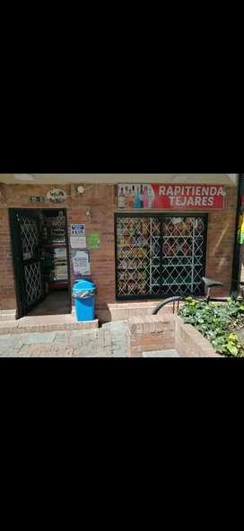 Venta de cigarreria Barrio Tejares II (cerca c.c. santa fe) Norte