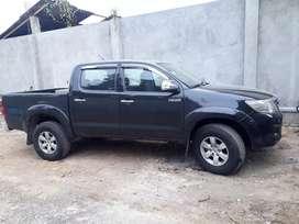 Se vende camioneta Full equipo (TOYOTA HILUX SR5)