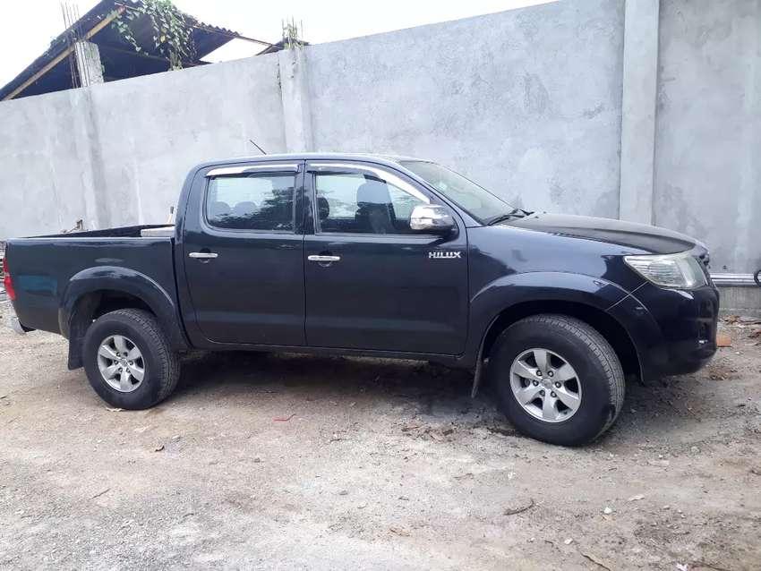 Se vende camioneta Full equipo (TOYOTA HILUX SR5) 0