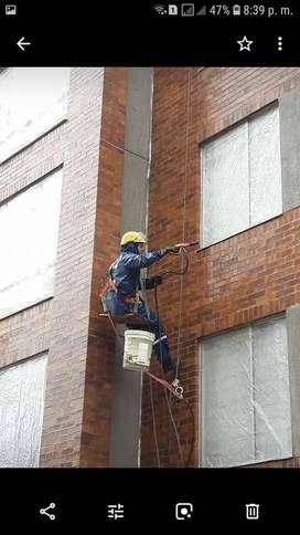 Mantenimiento de fachadas y trabajo en alturas.