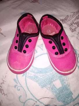 Lote de zapatos Talla 22 y ropa talla 2