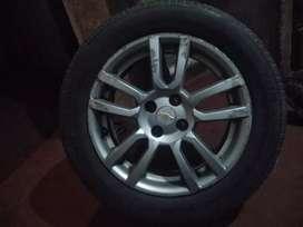 Vendo rueda completa de Chevrolet Sonic