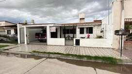 Vendo casa de 3 dormitorios en Barrio San Remo