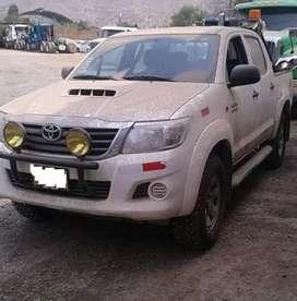 Busco conductor  para proyecto en  selva central el vehículo es una camioneta 4x4