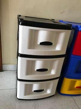 Cajoneros o mueble organizador de plástico de 3 gavetas