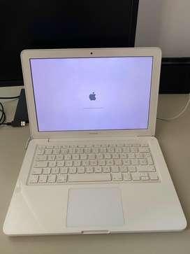 """Apple MacBook 13"""" Mid2010 - Muy buen estado - Modelo A1342"""
