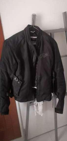 Se vende chaqueta de moto con protecciones