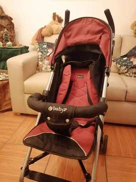 Coche de bebé guinda marca e-baby casi nuevo