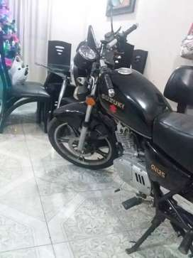 Moto Suzuki gn 125 colombiana
