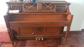 Piano marca Semick
