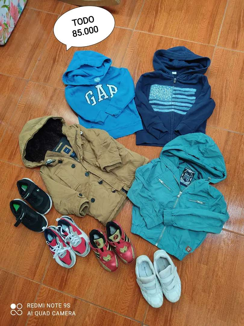 Lote de prendas para niño