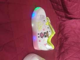 Zapatillas de niñas LOL dos modelos con luces