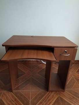 Mueble para PC(Escritorio)