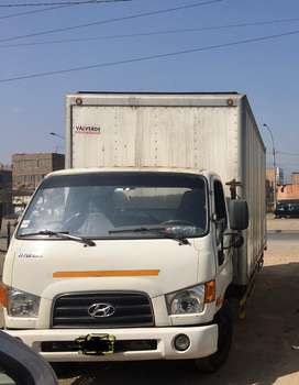 Camion furgon