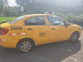 Vendo taxi con acciones y derechos en Quito